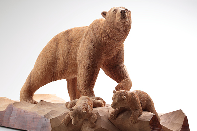 W'UP! ★ 7月17日~9月26日 木彫り熊の申し子 藤戸竹喜 アイヌであればこそ/10月9日~11月28日 小早川秋聲 旅する画家の鎮魂歌 東京ステーションギャラリー