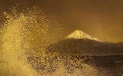W'UP! ★7月21日〜8月19日 織作峰子写真展 HAKU graphy 「Hommage to Hokusai」~悠久の時を旅して~ 富士フイルムフォトサロン 東京 スペース3